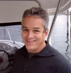 Portrait Foto des Boot Fahrlehrers Thomas Spiegelhalter